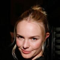 El peinado más cómodo y elegante de la Primavera-Verano 2010: moño alto