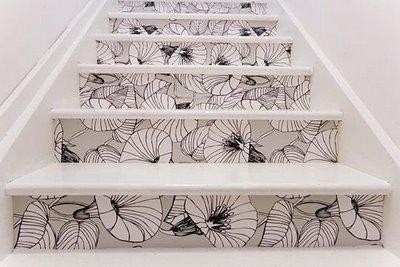Decora tus escaleras con vinilos