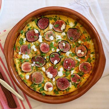 Frittata con higos y queso de cabra: receta para un almuerzo o cena original y rápida