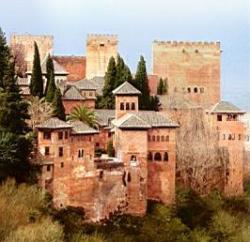 Se prohíbe la entrada a la Alhambra con carritos de bebé