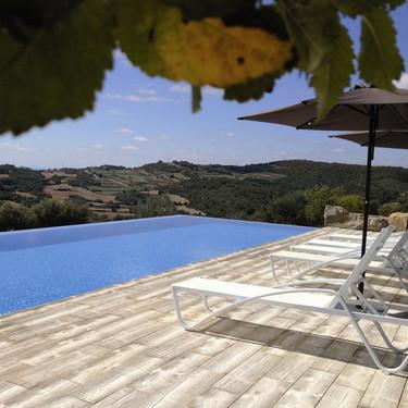 Incorporar una piscina al jardín, seis tips que tienes que tener en cuenta para hacerlo con éxito