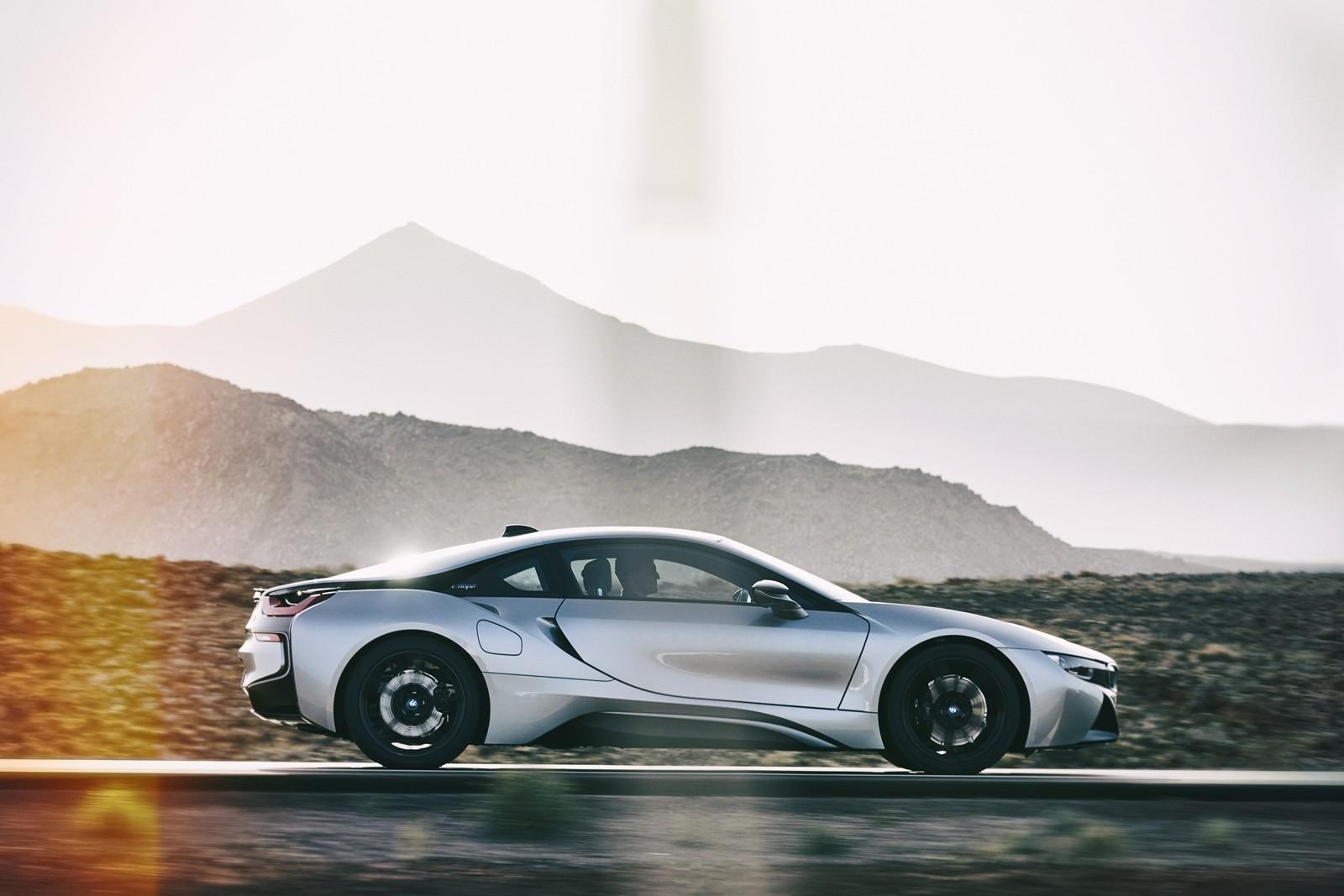 Foto de BMW i8 Roadster 2019 (28/39)