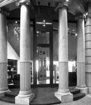 Roberto Verino renueva su emblemática tienda de Barcelona