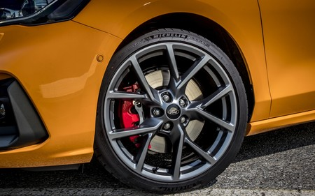 Orange Fury Focus St Lr 061