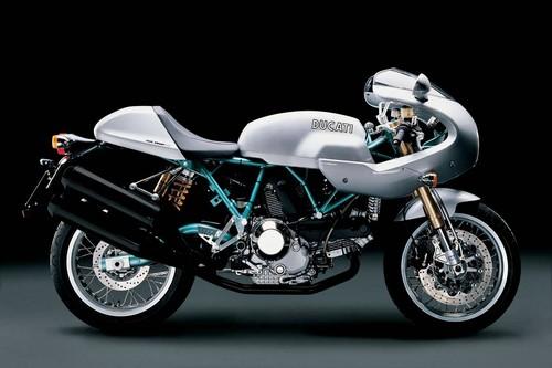 Las pistas indican que Ducati tiene lista una café racer para el Salón de Milán: la Scrambler CR