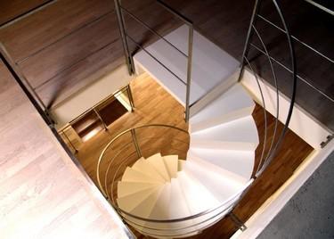 27 propuestas para reinventar una vivienda reformando las escaleras
