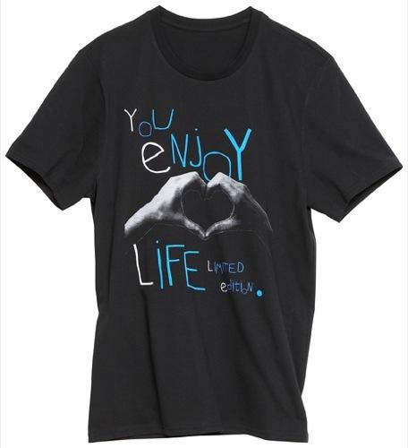 Foto de Todas las prendas de la colección Fashion Against AIDS de H&M (22/26)