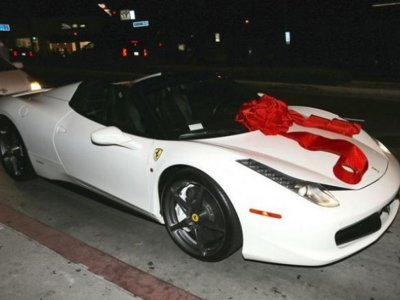 ¿Por qué regalarían un Ferrari 458 Italia a una niña que cumple 18 años?