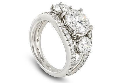 El anillo Hearts on fire está cuajado de diamantes