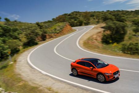 Jaguar I-PACE rojo delantera derecha