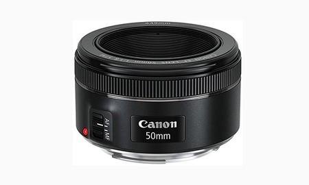 En eBay, el Canon EF 50mm f1.8 STM cuesta sólo 106 euros