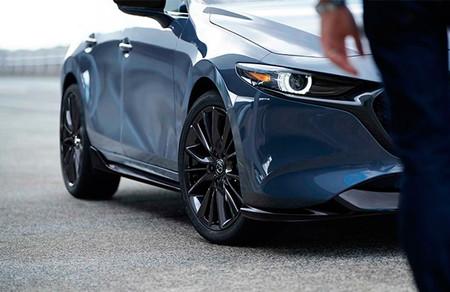Mazda presentará un techo rígido para el MX-5 y un kit aerodinámico para el Mazda3 en el Tokyo Auto Salon