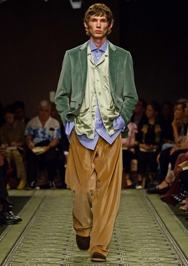 Este otoño saldrás en pijama a la calle. Palabra de Burberry
