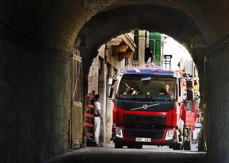 Espectacular encierro de un camión Volvo FL en Ciudad Rodrigo