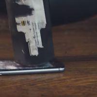 Con este protector de pantalla para el iPhone 6, ni un martillazo te debería preocupar