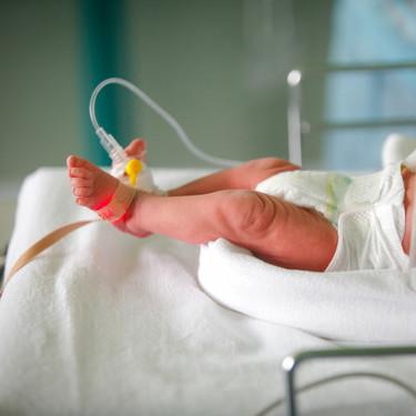 Nía, la bebé prematura nacida con 32 semanas que superó el coronavirus