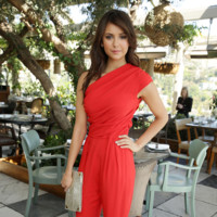 Nina Dobrev it girl perfil Hollywood Reporter