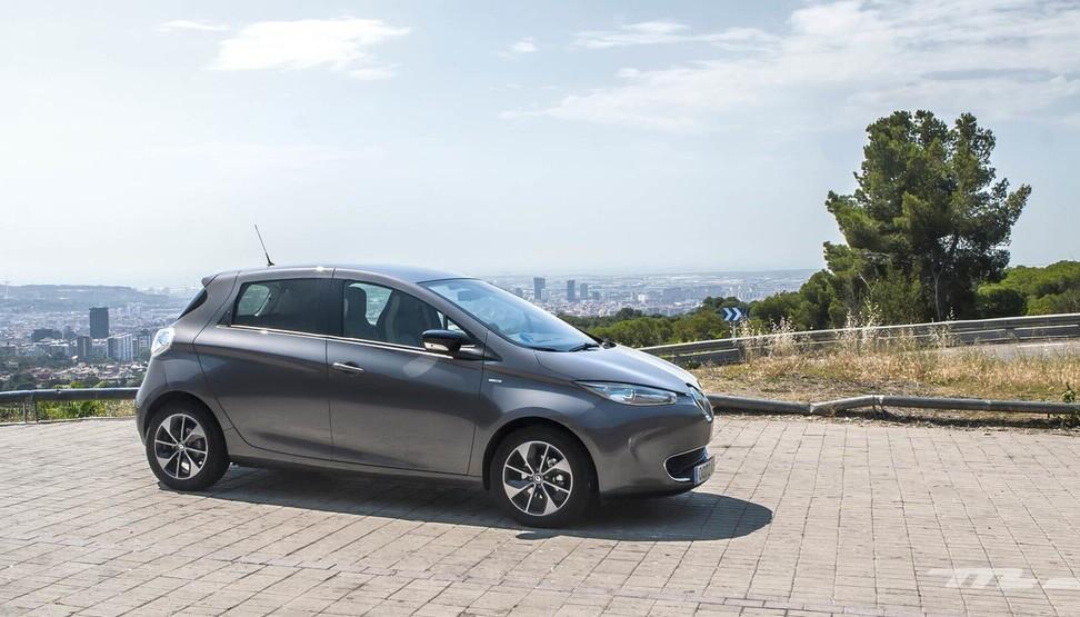 Las ventas coches eléctricos e híbridos doblan en marzo los niveles prepandemia, con el Renault ZOE a la cabeza