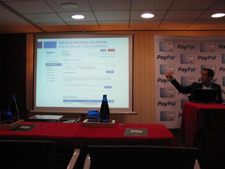 Estanis Martin presentación tarjeta prepago Paypal