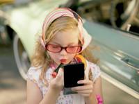 Pinkstinks moviliza a la sociedad inglesa contra el maquillaje infantil