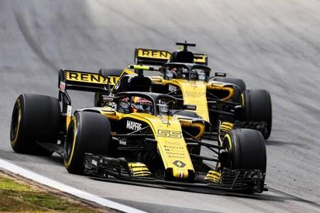 Sainz Hulkenberg Renault F1 2017