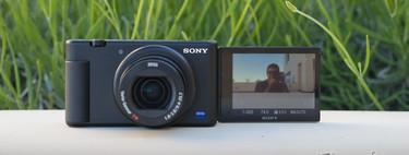 Sony ZV-1: toda la información y análisis de la compacta avanzada de una pulgada que quiere enamorar a YouTubers y VLoggers