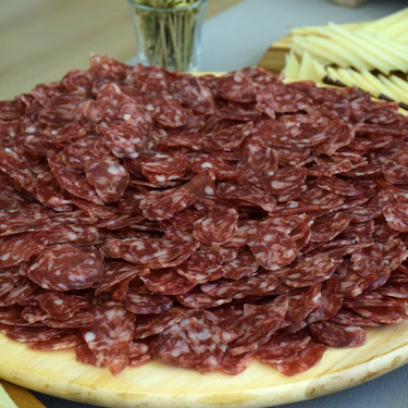 Así se elabora la verdadera longaniza de Aragón: el embutido estrella del reino de los cinco millones de cerdos
