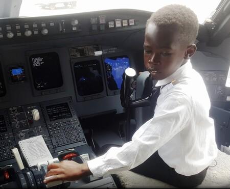 Un niño de solo siete años es un genio de la aeronáutica y sabe pilotar aviones: su historia arrasa en internet
