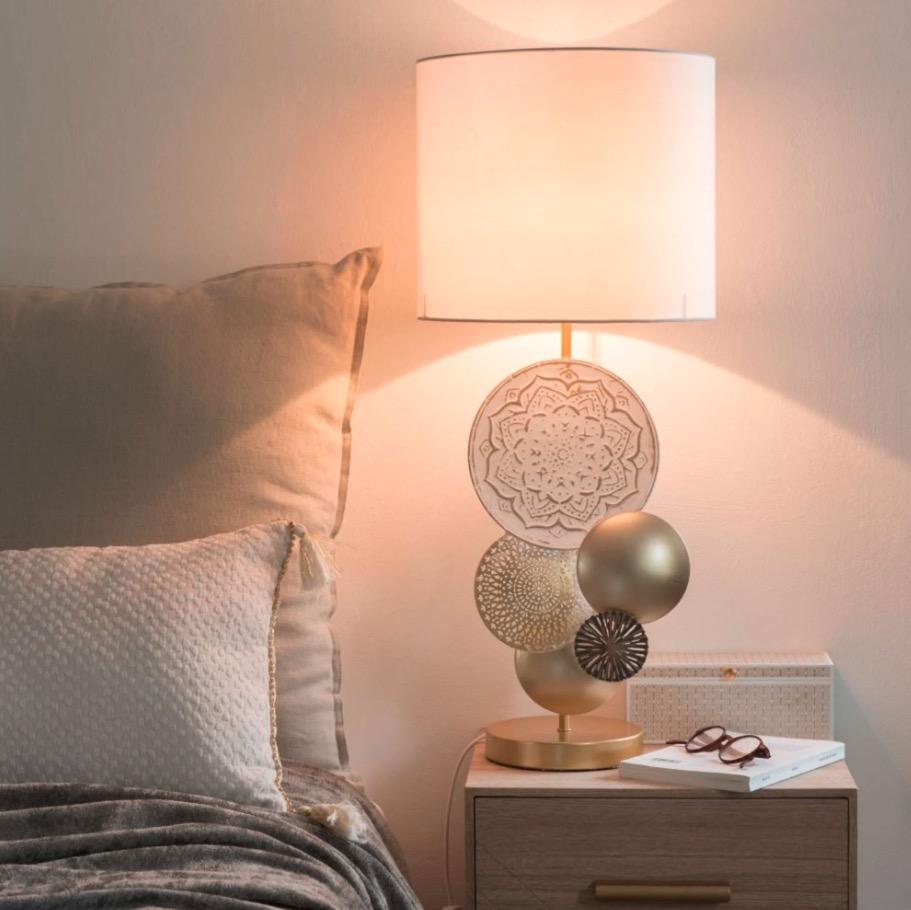Lámpara de metal dorado y blanco Soline Oasis