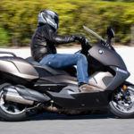 Campaña de la DGT: Objetivo motos... ¡y bicicletas! Ojo, que te pueden examinar
