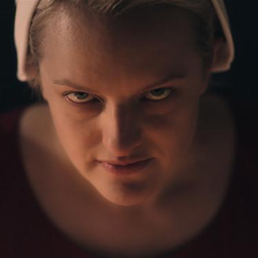 Lágrimas, furia y fuego: así empieza la temporada de 'El cuento de la criada' que promete dejar en nada lo de 'Juego de tronos'