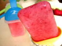Polos de fresas con yogurt