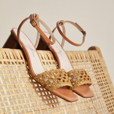 Las sandalias y bolsos de piel 'made in Spain' de Pedro del Hierro nunca pasan de moda y combinan con todo el armario