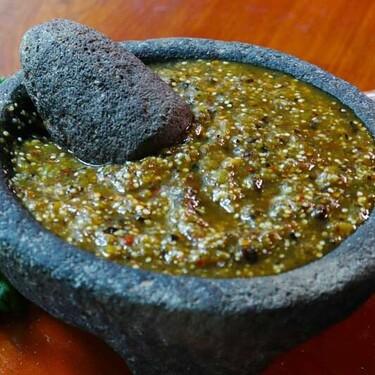 Salsa verde asada. Receta fácil y rápida de la cocina tradicional mexicana