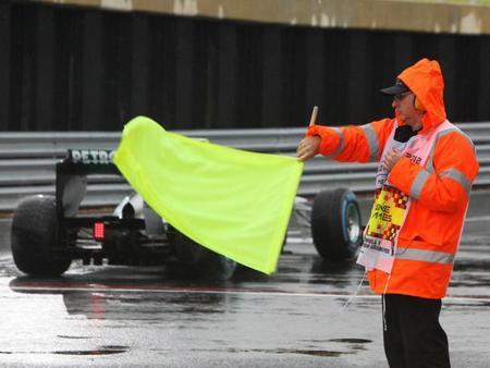 La FIA considera limitar la velocidad en régimen de bandera amarilla