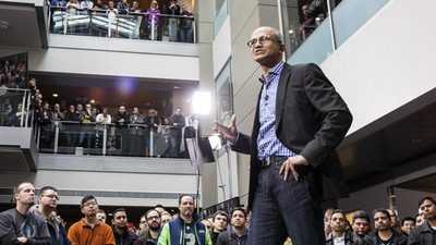 Satya Nadella habla sobre sus predecesores y la necesidad de Microsoft de innovar y reinventarse