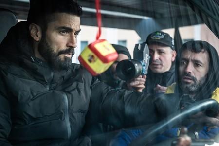 """Visitamos el set de 'Antidisturbios', la serie de Movistar+ y Rodrigo Sorogoyen: """"Es el rodaje más complicado en el que he estado"""""""