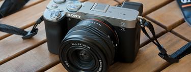 Sony A7C, nueva sin espejo con sensor de formato completo y estabilizador integrado 'embutida' en el cuerpo compacto de una APS-C