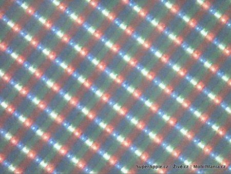 La pantalla del iPhone 4G al microscopio, ¿960x640 píxeles?