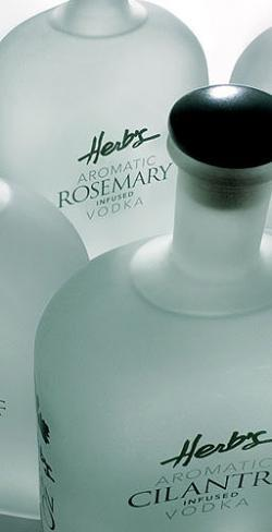 Vodka fusionado con hierbas: Herb´s