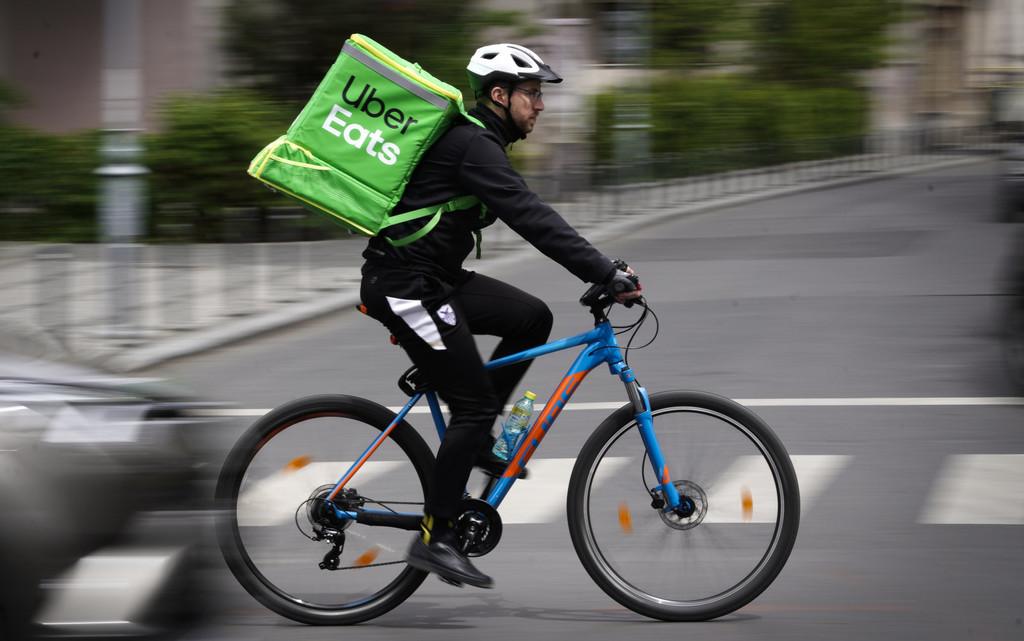 Repartidores de Uber Eats y Rappi se unen: piden ser reconocidos como trabajadores y no como