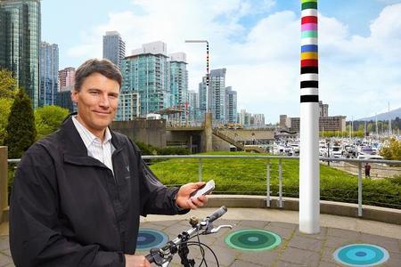 V-Pole: El poste que lo mismo carga un coche eléctrico que te da acceso a internet