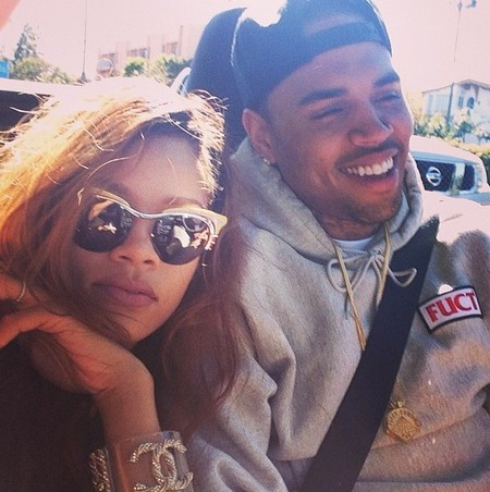Chris Brown le hace unfollow a Rihanna en Twitter: ¿y en la vida real?