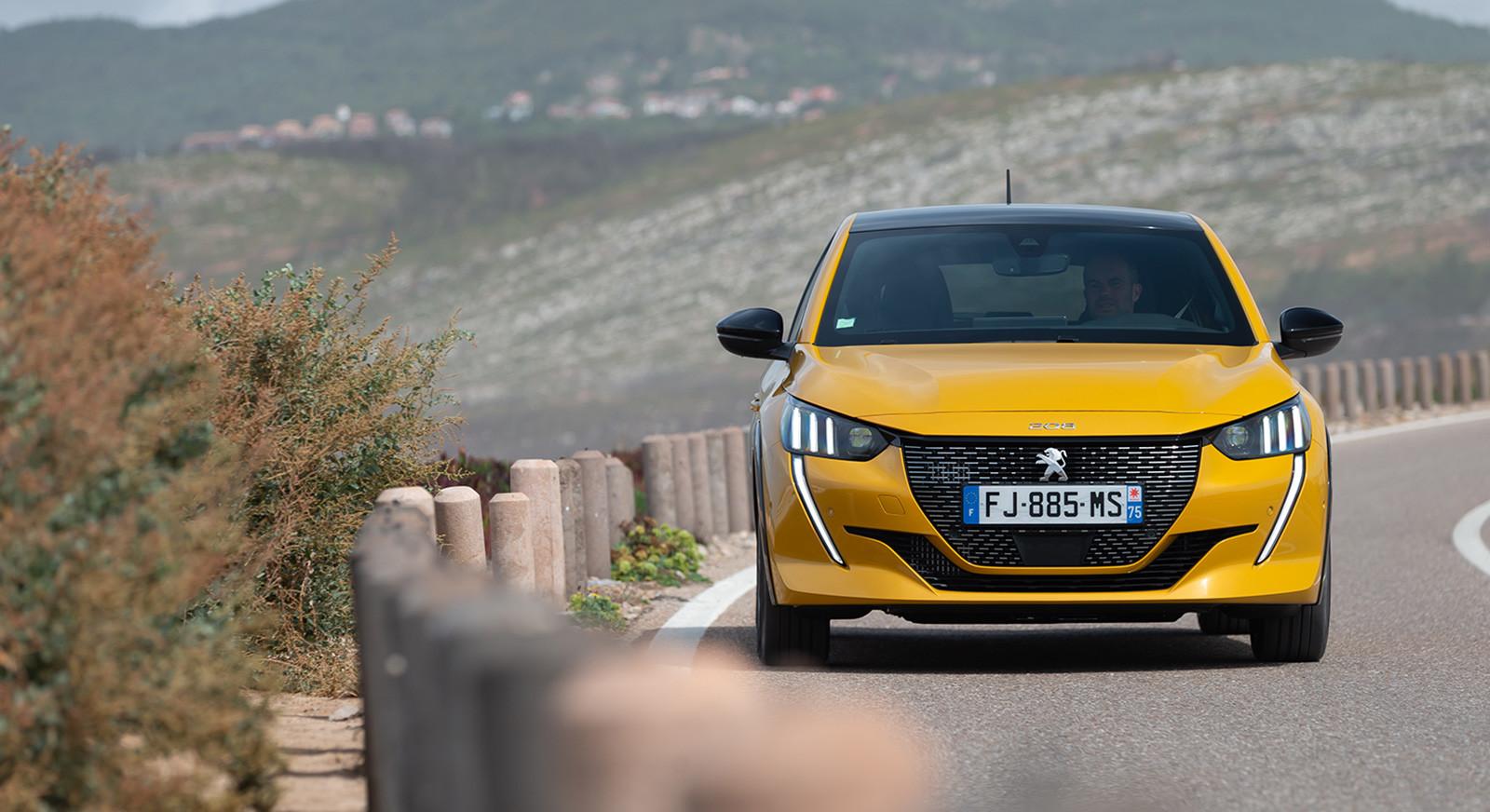 Foto de Peugeot 208 2020 (15/23)