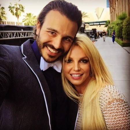 Britney Spears estrena soltería, ¡alegría estival!