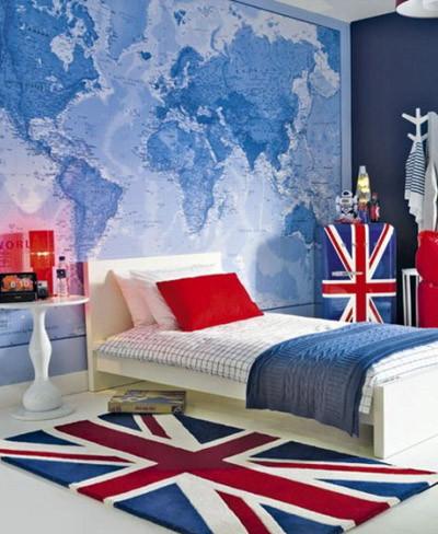 Dormitorio con mapa azul