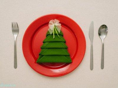 Crea un árbol con la servilleta para las comidas de Navidad