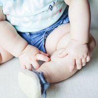 ¿Cuándo aprende el bebé a sentarse solo?