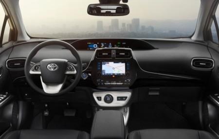 Toyota Prius 2015 3