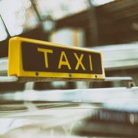 El taxi gana en España: sus medidas para controlar Uber o Cabify se aprobarán antes de 2018